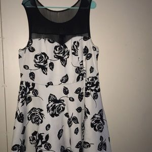 Dresses & Skirts - Short black and white prom or homecoming dress